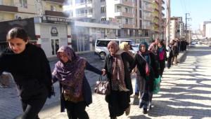 Silvan'da Cizre'ye Destek Yürüyüşüne Polis Müdahale Etti
