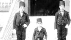 İlk Kez Gün Işığına Çıkan 2. Abdülhamit'in Aile Albümü