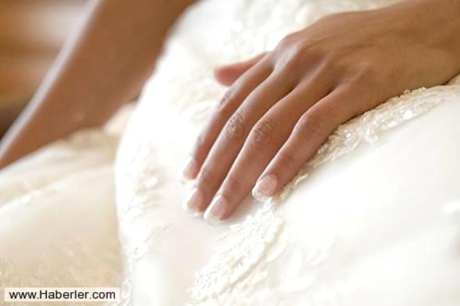 Bu Yörede Evlenen Gerdeğe Herkesin İçinde Giriyor