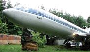Emekli Mühendis, Hurda Uçağı Eve Dönüştürdü