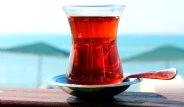 Çayı Çok Sıcak İçmek Gırtlak Kanserine Yol Açıyor