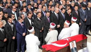 Davutoğlu, Ak Partili Başkan Gürbüz'ün Cenazesine Katıldı