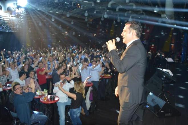 Ferhat Göçer, Bursa'da Konser Verdi