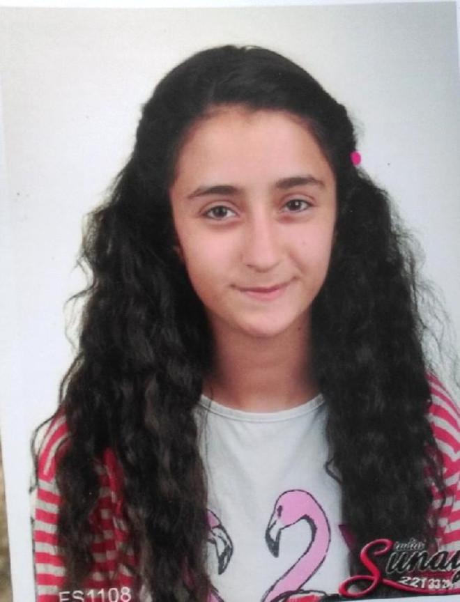 Kızının Öldüren Magandaya Verilen Cezayı Mezarının Başında Okudu