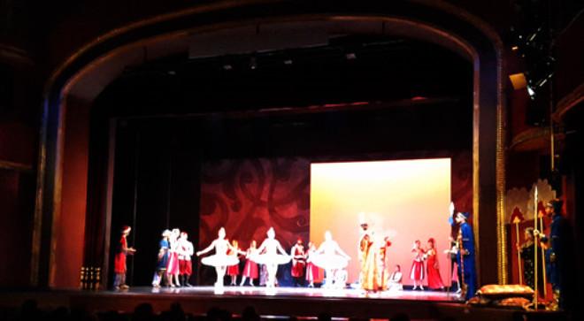 Korsan' Süreyya Operası'nda Seyirciyle Buluştu