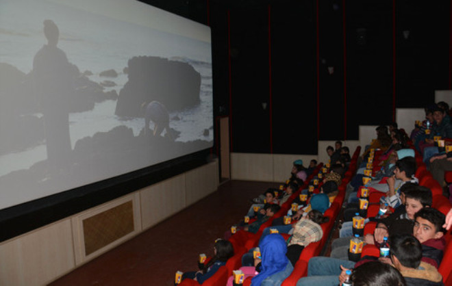 Köy Okulu Öğrencileri İlk Defa Sinemayla Tanıştı