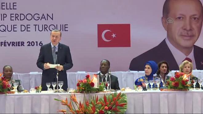 Cumhurbaşkanı Erdoğan'a Fildişi Sahili'nde Renkli Karşılama