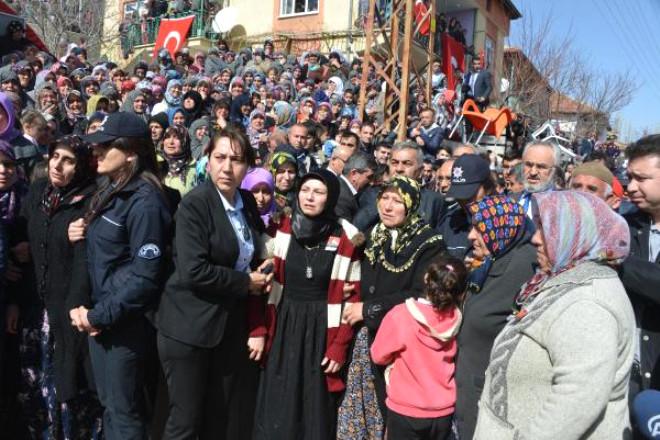 Şehit Polisi, Ilgın'da 10 Bin Kişi Son Yolculuğuna Uğurladı/ek Fotoğraflar
