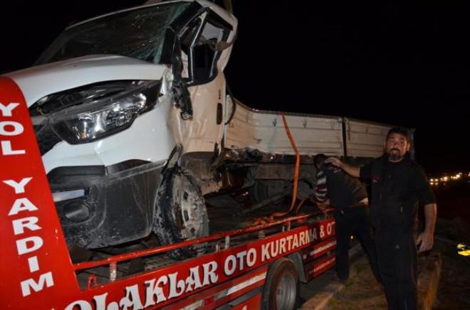 Tır'ın Çarptığı Kamyonet Sürücüsü Öğretmen Öldü