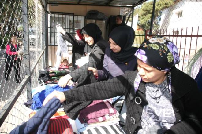Mahallesindeki 800 Suriyelinin Dert Babası Oldu