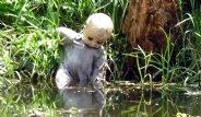 Adayı, Korkunç Oyuncak Bebekler İstila Etti