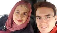 Mustafa Ceceli'nin Annesiyle Paylaştığı Poz Olay Yarattı