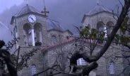 Yunanistan'ın Hayalet Köyü Toprağa Gömülüyor