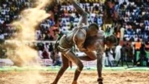 Senegalli Güreşçiler Karşılaşmalara Büyülerle Hazırlanıyor