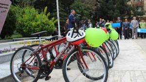 Salihli'de Sağlıklı Yaşam İçin Bisiklet Dağıtıldı