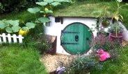 Yüzüklerin Efendisi Filminden Etkilenerek Hobbit Evi Yaptı