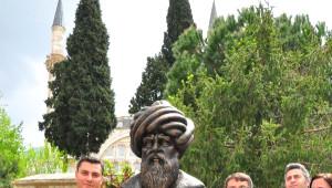 Mimar Sinan'ın Ege'deki Tek Eserinin Önüne Büstü Dikildi
