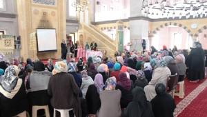 İldem Ödül Kur'an Kursu Minikler İçin Yıl Sonu Programı Düzenlendi
