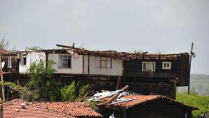 Kastamonu'da Hortum Evleri Yıktı