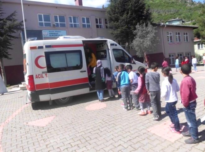 Osman Gazi İlkokulunda Öğrencilere 112 Acil Çağrı Servisini Anlattılar