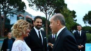 Ünlüler Erdoğan'ın İftarına Akın Etti