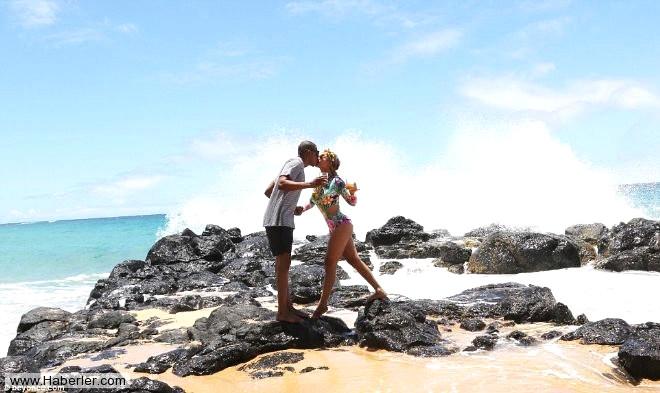 Beyonce Hawaii Tatilinde Fiziğiyle Nefes Kesti