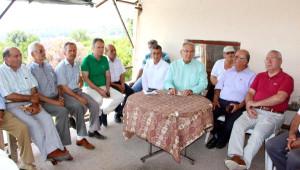 CHP'li Baykal: 40 Yıllık Direklerle Hizmet Olmaz