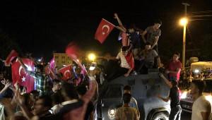 Midyat'ta Halk Darbe Girişimini Protesto Etti