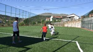 Dursunbey'de Kırsal Mahallelere 4 Yeni Halı Saha