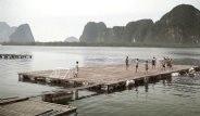 Taylandlı Çocukların İnanılmaz Azmi! Yüzen Saha İnşa Ettiler