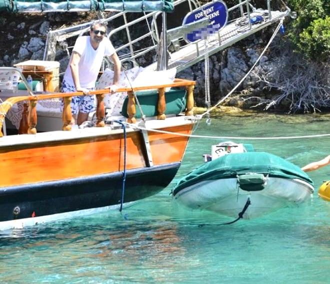 Erkan Petekkaya'nın Teknesi Yandı