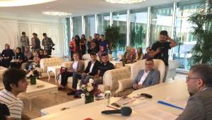 Üsküdar Belediye Başkanı Hilmi Türkmen Üsgem'li Öğrencileri Makamında Ağırladı
