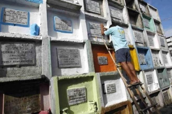 Filipinler'de Korkunç Manzara! Halk Mezarda Yaşıyor