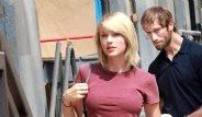 Taylor Swift'e Attığı Bakış ile Dünyaya Rezil Oldu