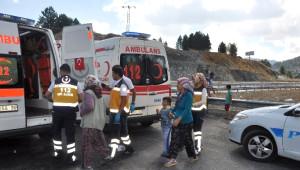 Seydişehir'de İki Otomobil Çarpıştı: 9 Yaralı