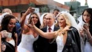 Rus Gelinler Putin'le Selfie Yarışına Girdi
