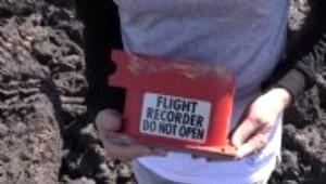 Uçakların Kara Kutusunun İçinden Bakın Ne Çıktı