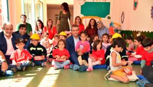 Diyarbakır Büyükşehir Belediyesi Eş Başkanı Anlı, Çocuklara İtfaiyeyi Anlattı