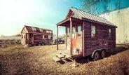 Kocaman Evlerden Vazgeçip Minyatür Eve Taşındılar