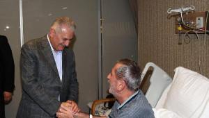 Başbakan Yıldırım Bağcılar'da Bir Hastanede Hasta Ziyaretinde Bulundu
