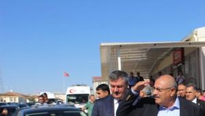 Türkeş, Suriyelilerin Barındığı Konteyner Kentleri Ziyaret Etti