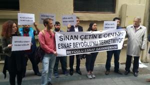 Yönetmen Sinan Çetin'e Ait İş Yerinden Çıkartılan İşletmeci ve Esnaf Eylem Yaptı