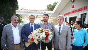 Kenan Sofuoğlu'na Mehteranlı Karşılama
