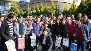 Başkan Büyükkılıç Kayseri Eğitim Fuarı'nı Gezdi