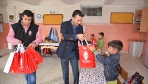 Başkan Kılıç'dan Öğrencilere Kırtasiye Yardımı