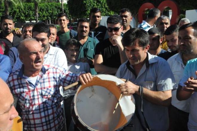 Müzisyenler, Sokak Düğünlerinin Yasaklanmasını Protesto Etti