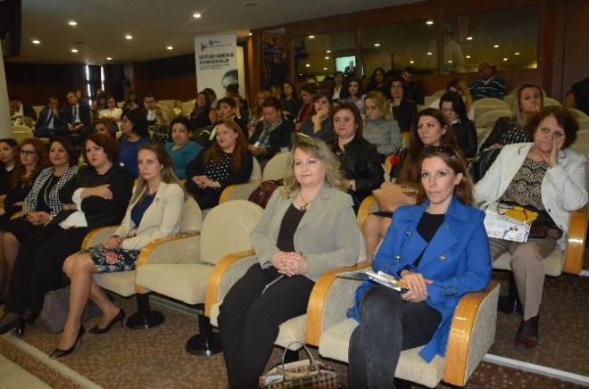Teb Kadın Akademisi' Eskişehir Ticaret Odası Meclis Salonu'nda Gerçekleşti