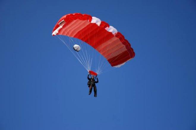 Türk Paraşütçüler Rekor İçin Çalışıyor