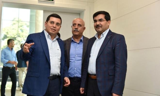 AK Parti'den Tütüncü'ye Hizmet Kutlaması
