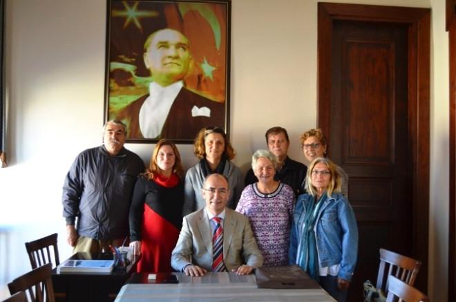 Ayvalık'ta Şefkat Evleri Derneği Yeni Yönetiminden Şefkatli Ziyaretler